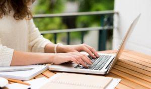 Die Bewerbung per E-mail verlangt Aufmerksamkeit und Konzentration