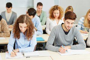 größere Unternehmen wählen ihr Auszubildenden per Assessment-Center aus